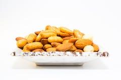 Mandel-Erdnuss und Haselnüsse Stockfotografie