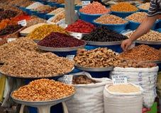 mandelar torkad krydda för muttrar för figsfruktmarknad Arkivbilder