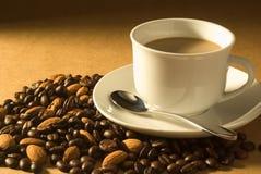 Mandelkaffee Lizenzfreie Stockfotos