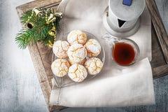 Mandelkakor och kaffe Royaltyfri Bild