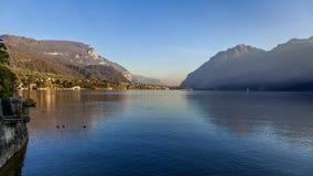 MANDELLO DEL LARIO, LOMBARDY/ITALY - 29 OCTOBRE : Vue du lac C photos libres de droits