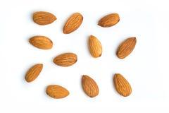 Mandelnüsse auf lokalisiertem weißem Hintergrund Stockfoto