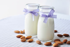 Mandeln mjölkar Royaltyfri Bild