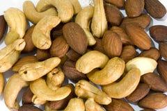 Mandeln und Acajounüsse mit Salz Lizenzfreies Stockfoto