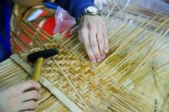 Mandenmakerij Stock Foto's