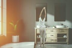 Mandi in aria l'interno di lusso verde del bagno, sfuocatura del manifesto Fotografia Stock