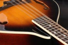 Mandolina acústica en descanso Imagen de archivo