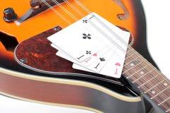 Mandoline et carte Image stock