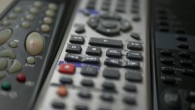 Mandos a distancia de la TV con los botones metrajes