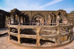 Mandu印度,回教王国、清真寺纪念碑和穆斯林坟茔阿富汗废墟  图库摄影
