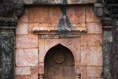 Mandu印度,回教王国、清真寺纪念碑和穆斯林坟茔,内部细节阿富汗废墟  免版税库存图片
