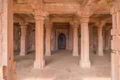 Mandu印度,回教王国、清真寺纪念碑和穆斯林坟茔,内部细节阿富汗废墟  库存图片