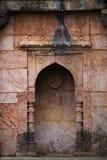 Mandu印度,回教王国、清真寺纪念碑和穆斯林坟茔,内部细节阿富汗废墟  免版税库存照片