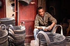 Mandverkoper marrakech marokko Royalty-vrije Stock Foto's