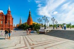 Manege fyrkant och MoskvaKreml Royaltyfri Fotografi