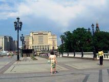 Manege fyrkant och MoskvaKreml Arkivbild