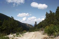 Maneira através das montanhas Imagens de Stock