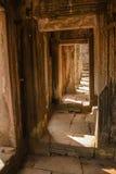 Maneira da porta de Angkor Wat fotografia de stock royalty free