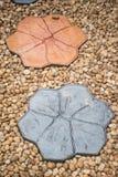 A maneira de pedra da caminhada em DIY dirige o jardim Textura Fundo decore Imagem de Stock