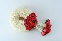 Manejo de flores Fotografía de archivo libre de regalías