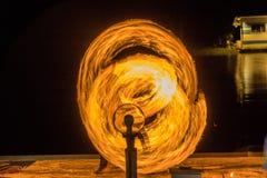 Manejo de la bola de fuego Imágenes de archivo libres de regalías