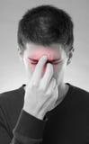 Manen med bihåla smärtar Arkivbild