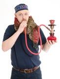 Manen röker waterpipe Arkivfoton