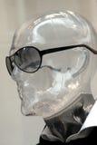 Manequim com óculos de sol imagem de stock