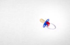 manequim do bebê ou silicone do manequim do bebê em um fundo Fotos de Stock