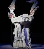 """Manera de acto de la diferencia- novena que sella el  blanco de Opera""""Madame Snake†del cuenco-Kunqu Fotos de archivo libres de regalías"""