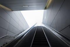 Manera de encenderse El subterráneo de la estación en Hamburgo Imagenes de archivo