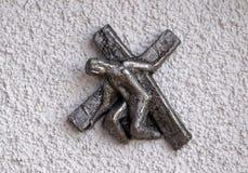 Manera de la cruz, aspecto de la iglesia del señor en Munchen foto de archivo