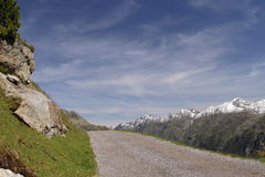 Manera de las montañas Foto de archivo libre de regalías
