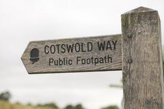 Manera del cotswold del poste indicador Fotos de archivo libres de regalías