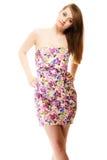 Manera del verano Adolescente en el vestido de flores aislado Imagenes de archivo