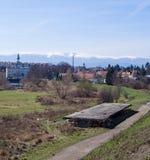 Manera delante de las montañas gigantes, Jelenia Gora, Polonia Foto de archivo