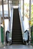 Manera encima de la escalera móvil al skywalk Fotografía de archivo
