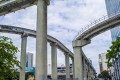 Maneras del carril del carril del metro de la ciudad Fotos de archivo