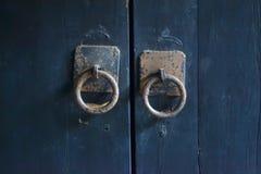 Maneta de puerta vieja Fotos de archivo libres de regalías