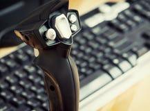 Manette de jeu avec le clavier Photos libres de droits
