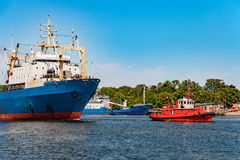 Maneuvers in port Royalty Free Stock Photography
