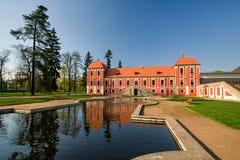 Mangårdsbyggnad av slotten för prins` s - Ostrov nad Ohri royaltyfri bild