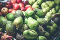 Mang exótico de la fruta tropical en el mercado de la noche de la isla de Bali foto de archivo libre de regalías