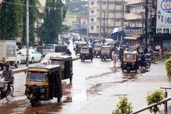 Trafikera i Mangalore royaltyfri foto