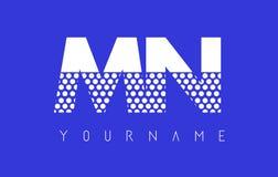 Manganeso M N Dotted Letter Logo Design con el fondo azul Fotos de archivo libres de regalías