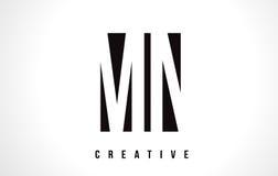 Manganeso M N White Letter Logo Design con la casilla negra Imágenes de archivo libres de regalías