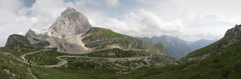 Mangart in den julianischen Alpen Stockbilder