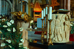 Manger all'altare in Verona Cathedral Immagine Stock
