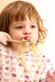 Manger des pâtes Photographie stock libre de droits