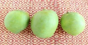 Manghi crudi organici Fotografie Stock Libere da Diritti